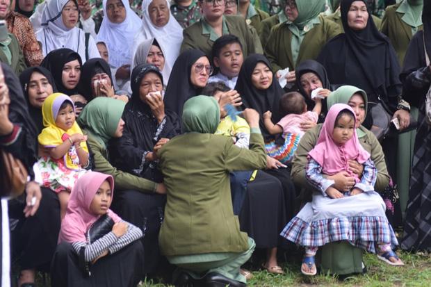 Pangdam Pimpin Pemakaman 4 Korban Heli MI-17 di TMP Giri Tunggal Semarang
