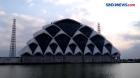 Masjid Al Jabbar Belum Selesai Dibangun, Tapi Jadi Tempat Ngabuburit Warga