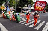 Ecoton Desak Pengurangan Pemakaian Plastik Sachet