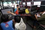 BISON Undika Surabaya Bantu Pelajar Sekolah Daring