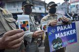 Peringati Hari Kopi Sedunia, Satpol PP Kota Garut Bagikan Masker dan Kopi