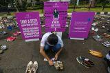 Letakkan 500 Pasang Sepatu, Aktivis Desak Pengesahan RUU Penghapusan Kekerasan Seksual