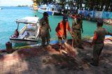 Petugas Gabungan Gelar Razia Masker di Kepulauan Seribu