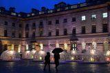 Pemerintah Inggris Cabut Pembatasan Sosial Selama Natal