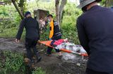 Relawan Evakuasi Korban Gempa Majene Sulbar