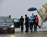 Hujan Deras Iringi Kedatangan Jokowi di Palembang