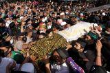 Ratusan Pelayat Hadiri Pemakaman Ketua MUI Sulsel di Maros