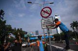 Pencopotan Rambu Jalur Khusus Road Bike di JLNT Casablanca