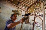 Perajin Rotan Maluku Mulai Bangkit