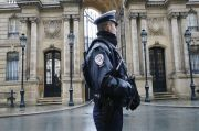 Elysee Palace Under Enhanced Protection as French Police Gear Up for Protests in Paris