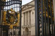 Abaikan Corona, Sejoli Ini Berhubungan Seks di Dekat Istana Buckingham
