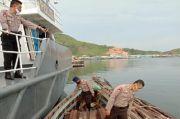 Kapal Pengangkut Kayu Ilegal Ditangkap di Perairan Karang Sibongsu