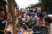 Rawan COVID-19, Warga Pidie Jaya Tetap Tumpah Ruah ke Pasar