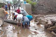 Lahar Dingin Gunung Sinabung Rusak Areal Pertanian dan Putus Jembatan Desa
