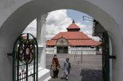Masjid Gede Kauman Tak Gelar Tarawih, Takjil Diantar ke Rumah Warga
