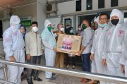 Satgas Lawan Covid-19 DPR Salurkan Bantuan APD ke RS Syekh Yusuf Gowa