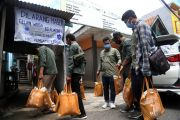 UMSurabaya Siapkan Voucher E-Money Buka Puasa dan Sahur bagi Mahasiswa Rantau