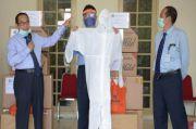 UNY Salurkan APD dan Wastafel Portabel untuk Tenaga Medis di DIY