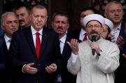 Erdogan Bela Ulama yang Bilang Homoseks Penyebab HIV