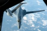 AS Kerahkan 2 Pembom Nuklir usai Kapal Perangnya Diusir China