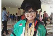 Kado Hardiknas, Gadis Pengemudi Ojol Terima Beasiswa S2 di Undip
