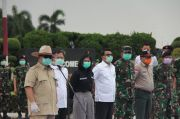 Perang Lawan Virus Corona, Prabowo Lepas Ratusan Relawan