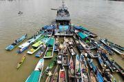 Puluhan Perahu Nelayan Batulicin Kotabaru Serbu Kapal Angkatan Laut