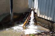 Warga Resah dengan Semburan Air Tanah Proyek Gedung di Mataram