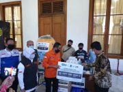 Gubernur Jatim Apresiasi Buku Saku COVID-19 dari IKA ITS