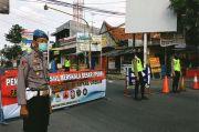 Optimalkan PSBB, Polresta Cirebon Tutup Jalan Penghubung Jawa Barat-Jawa Tengah