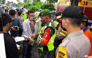 Belasan Pekerja Migran Diperiksa di Check Point Perbatasan Gresik-Lamongan