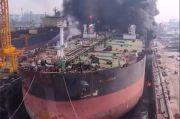Labfor Polri Turun Selidiki Penyebab Kapal Tanker KM Jag Leela Terbakar