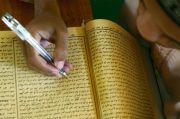 Kitab Kuning Beri Panduan Pelaksanaan Ibadah Muslim