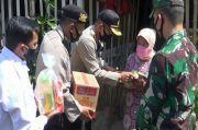 Jelang PSBB Malang Raya, TNI - Polri Bagikan Paket Sembako hingga Pinggiran Kota