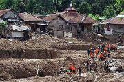 Banjir dan Longsor di Bogor, Belasan Rumah Rusak Satu Orang Tewas Tertimbun