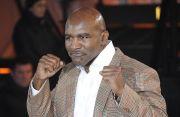Yakin Bisa Redam Tyson, Holyfield: Saya Masih Bisa Memukul dan Andalkan Jab