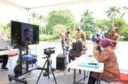 Air Mata Risma Menitik Saat Berjumpa Siswa SMP Secara Daring