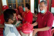 Semangat Gotong Royong, PDI Perjuangan Pangandaran Salurkan Sembako ke Kader Partai