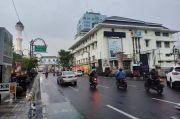 Hujan Sedang Siang-Sore, Malam Kota Bandung Dibasahi Hujan Ringan