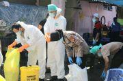 Makamkan Dua Jenazah COVID-19, Ditsamapta PMJ Kerahkan Tiga Polwan
