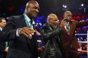 Larry Holmes Restui Duel Jilid III Tyson vs Holyfield