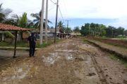 Jalan Rusak Bertahun-tahun di Bekasi, Warga: Sedih Tidak Diperhatikan Pemerintah