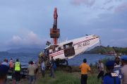 Tim Gabungan Evakuasi Badan Pesawat MAF PK MEC yang Jatuh di Danau Sentani
