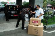 Relawan Jabar Baik Salurkan Bantuan APD dan Kurma ke RSUD Cideres