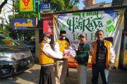 Hanura Jabar Bagikan Sembako untuk Driver Online