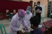 Pedagang dan Pengunjung Pasar Sore Kaliwungu Kendal Jalani Rapid Test