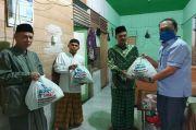 Dai, Marbot hingga Guru Ngaji Terima Bantuan Sembako dari Anggota DPR Ini