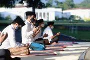 Presiden Jokowi Salat Idul Fitri Berjamaah di Istana Bogor
