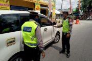 Petugas Gabungan Periksa Kendaraan Melintas di Perbatasan Kota Tanjung Balai- Asahan