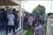Pembagian BLT Tak Merata, Warga Serang dan Segel Kantor Desa